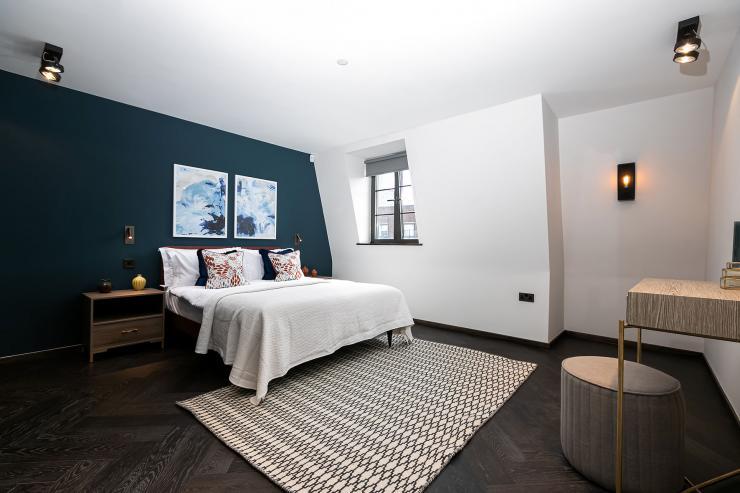 Lovelydays luxury service apartment rental - London - Soho - Great Marlborough St VIII - Lovelysuite - 3 bedrooms - 3 bathrooms - Queen bed - 5 star serviced apartments in london - 9c50bb3b88bf - Lovelydays