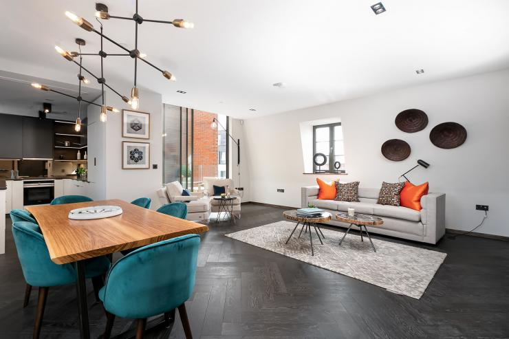 Lovelydays luxury service apartment rental - London - Soho - Great Marlborough St. IX - Lovelysuite - 2 bedrooms - 2 bathrooms - Luxury living room - 27ec0505a717 - Lovelydays