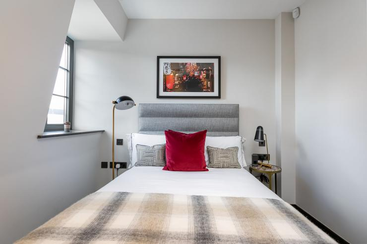 Lovelydays luxury service apartment rental - London - Soho - Great Marlborough St. IX - Lovelysuite - 2 bedrooms - 2 bathrooms - Queen bed - 5 star apartment in london - 80717d512a61 - Lovelydays