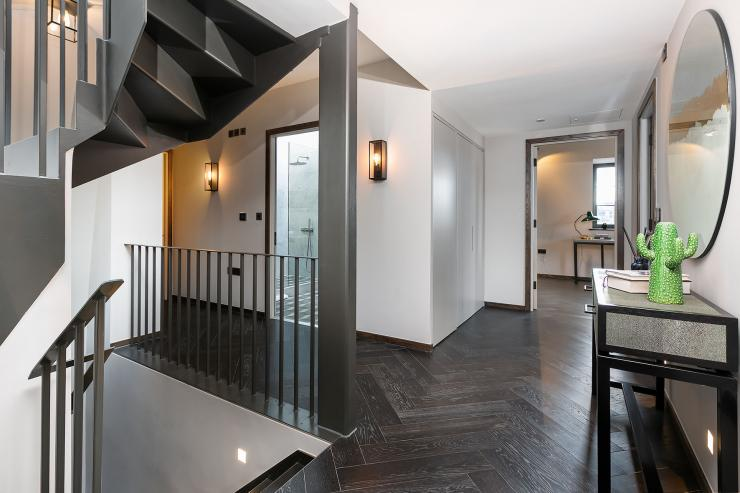 Lovelydays luxury service apartment rental - London - Soho - Great Marlborough St. IX - Lovelysuite - 2 bedrooms - 2 bathrooms - Hallway - 5 star apartment in london - 80290819f756 - Lovelydays