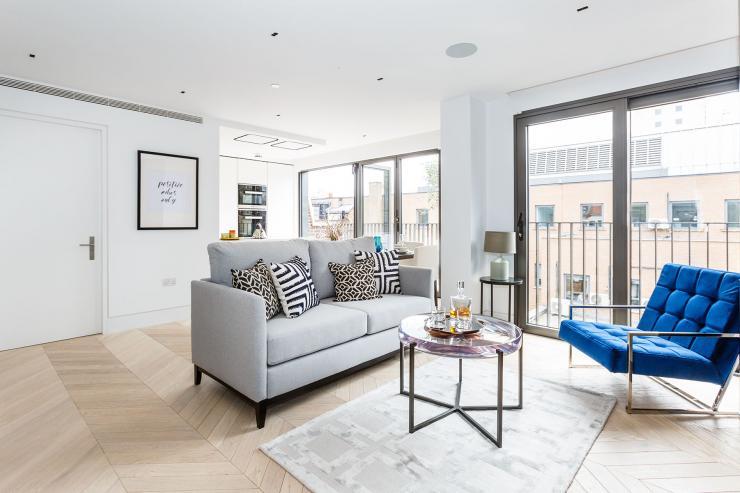 Lovelydays luxury service apartment rental - London - Fitzrovia - Newman Street IV - Lovelysuite - 2 bedrooms - 2 bathrooms - Luxury living room - rent luxury apartment london - d961e5994d04 - Lovelydays