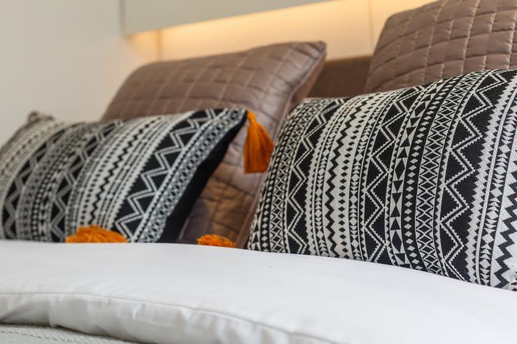 Lovelydays luxury service apartment rental - London - Fitzrovia - Newman Street IV - Lovelysuite - 2 bedrooms - 2 bathrooms - Queen bed - rent luxury apartment london - 476601205e89 - Lovelydays