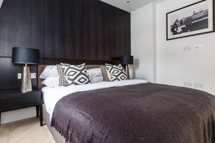 Lovelydays luxury service apartment rental - London - Fitzrovia - Newman Street IV - Lovelysuite - 2 bedrooms - 2 bathrooms - Queen bed - rent luxury apartment london - e16cebccef4e - Lovelydays