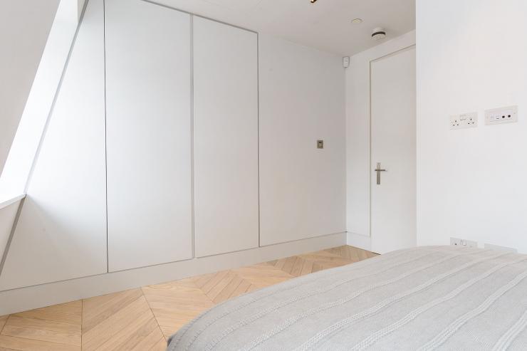Lovelydays luxury service apartment rental - London - Fitzrovia - Newman Street IV - Lovelysuite - 2 bedrooms - 2 bathrooms - Comfortable sofa - rent luxury apartment london - 9a6e728a3a02 - Lovelydays
