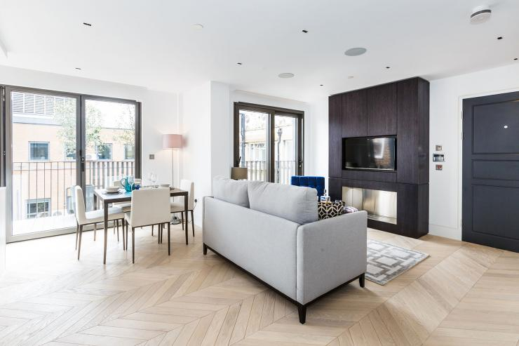 Lovelydays luxury service apartment rental - London - Fitzrovia - Newman Street IV - Lovelysuite - 2 bedrooms - 2 bathrooms - Luxury living room - rent luxury apartment london - 0c84b38f42f8 - Lovelydays