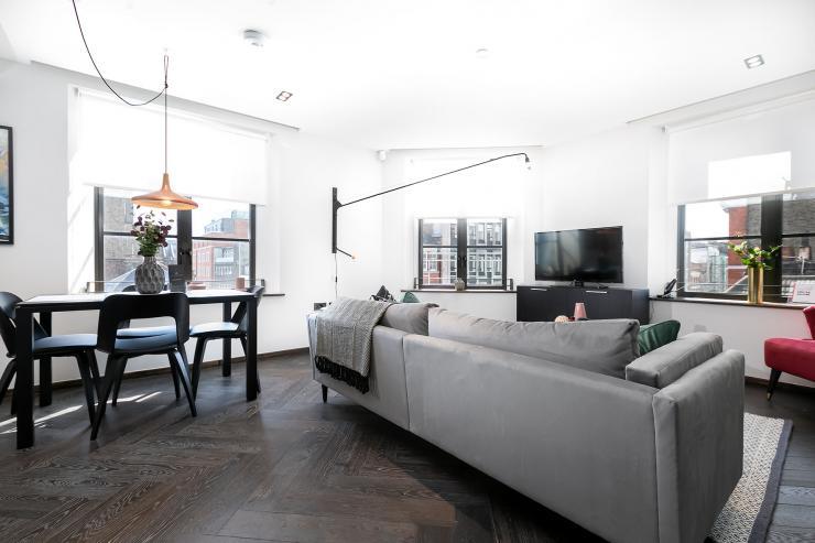 Lovelydays luxury service apartment rental - London - Soho - Noel Street VI - Lovelysuite - 2 bedrooms - 2 bathrooms - Luxury living room - luxury apartment in london - 66a18ddfe78b - Lovelydays