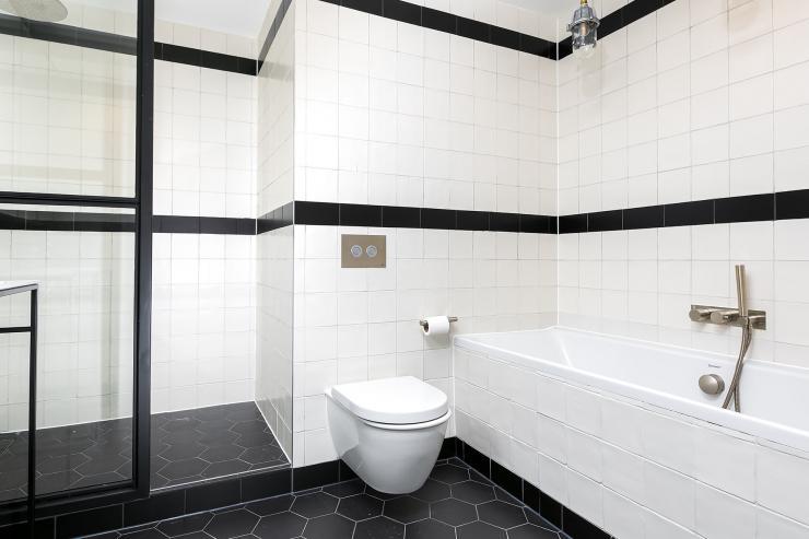 Lovelydays luxury service apartment rental - London - Soho - Noel Street VI - Lovelysuite - 2 bedrooms - 2 bathrooms - Beautiful bathtub - luxury apartment in london - 53737cc09cf7 - Lovelydays