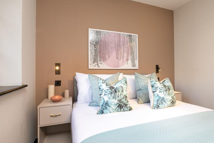 Lovelydays luxury service apartment rental - London - Soho - Oxford Street V - Lovelysuite - 1 bedrooms - 1 bathrooms - Queen bed - book serviced apartments london - 963773b33569 - Lovelydays