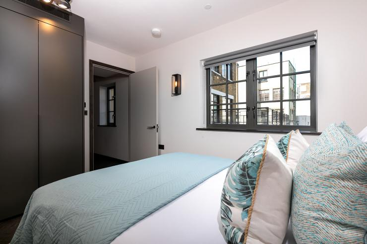Lovelydays luxury service apartment rental - London - Soho - Oxford Street V - Lovelysuite - 1 bedrooms - 1 bathrooms - Queen bed - book serviced apartments london - 482f242cb81e - Lovelydays