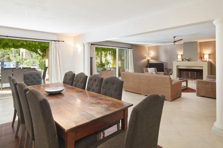 <p>Lovelydays Luxury Rentals introduce you pictures of a charming house in the heart of French South East</p>