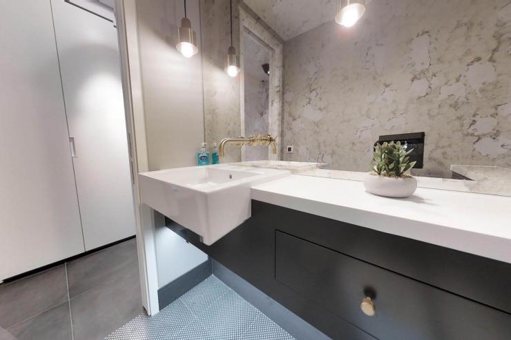 Lovelydays luxury service apartment rental - London - Soho - Royalty Mews I - Partner - 3 bedrooms - 2 bathrooms - Lovely shower - 09bc8db4b607 - Lovelydays