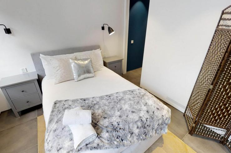 Lovelydays luxury service apartment rental - London - Soho - Royalty Mews I - Partner - 3 bedrooms - 2 bathrooms - Double bed - fa58e7370013 - Lovelydays