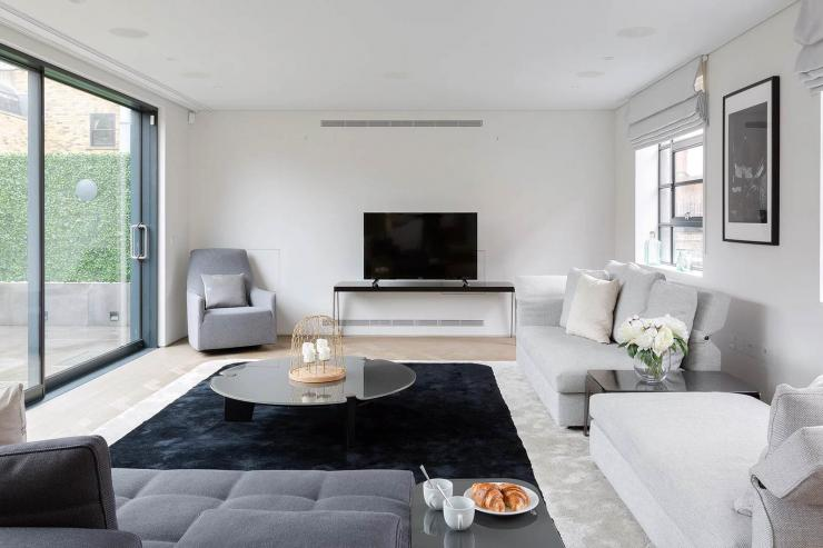 Lovelydays luxury service apartment rental - London - Soho - Royalty Mews I - Partner - 3 bedrooms - 2 bathrooms - Luxury living room - 5480f0308bf9 - Lovelydays