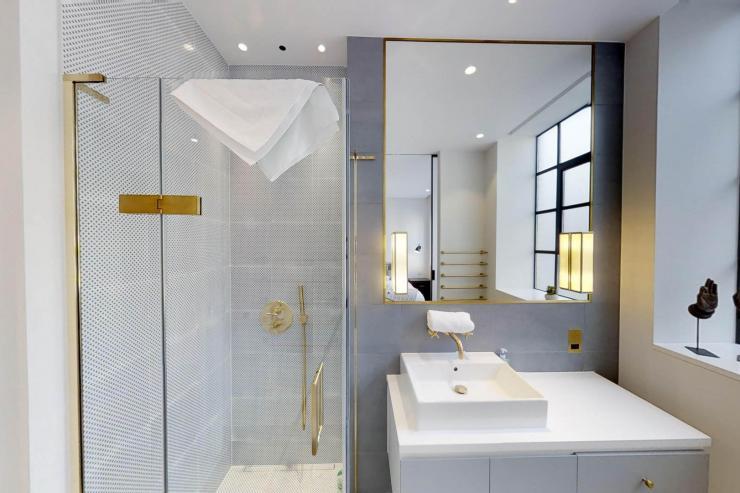 Lovelydays luxury service apartment rental - London - Soho - Royalty Mews I - Partner - 3 bedrooms - 2 bathrooms - Lovely shower - 08b02fc2df95 - Lovelydays