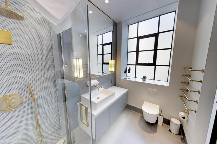 Lovelydays luxury service apartment rental - London - Soho - Royalty Mews I - Partner - 3 bedrooms - 2 bathrooms - Lovely shower - 741515f190e7 - Lovelydays