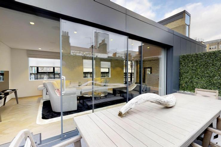 Lovelydays luxury service apartment rental - London - Soho - Royalty Mews I - Partner - 3 bedrooms - 2 bathrooms - Luxury living room - 36ec2a53bd32 - Lovelydays