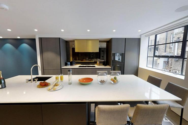 Lovelydays luxury service apartment rental - London - Soho - Royalty Mews I - Partner - 3 bedrooms - 2 bathrooms - Luxury living room - da7057a6141d - Lovelydays