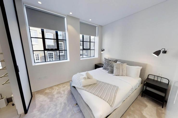 Lovelydays luxury service apartment rental - London - Soho - Royalty Mews I - Partner - 3 bedrooms - 2 bathrooms - Queen bed - c7a6b217d34c - Lovelydays