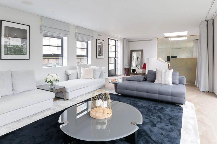 Lovelydays luxury service apartment rental - London - Soho - Royalty Mews I - Partner - 3 bedrooms - 2 bathrooms - Luxury living room - cb4823eecc8d - Lovelydays
