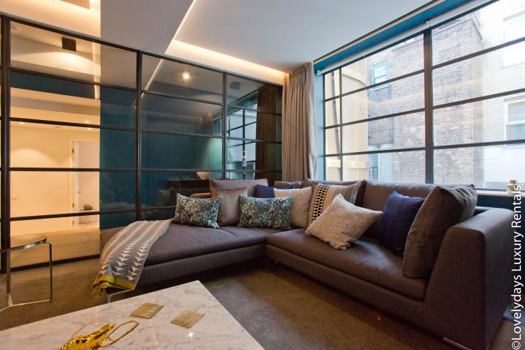 Lovelydays luxury service apartment rental - London - Soho - Royalty Mews III - Partner - 2 bedrooms - 2 bathrooms - Luxury living room - 062fb9708b78 - Lovelydays