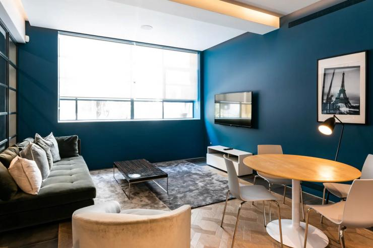Lovelydays luxury service apartment rental - London - Soho - Royalty Mews III - Partner - 2 bedrooms - 2 bathrooms - Luxury living room - 7eea970571d5 - Lovelydays