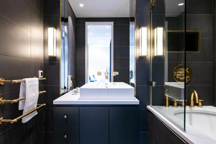Lovelydays luxury service apartment rental - London - Soho - Royalty Mews III - Partner - 2 bedrooms - 2 bathrooms - Lovely shower - b590ee0933e3 - Lovelydays