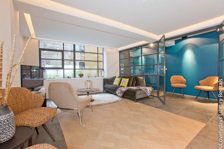 Lovelydays luxury service apartment rental - London - Soho - Royalty Mews IV - Partner - 2 bedrooms - 2 bathrooms - Luxury living room - 27438d478b39 - Lovelydays