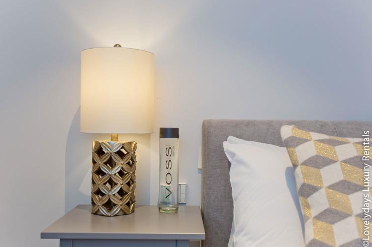 Lovelydays luxury service apartment rental - London - Soho - Royalty Mews IV - Partner - 2 bedrooms - 2 bathrooms - Queen bed - 1cc6ecfad7d7 - Lovelydays