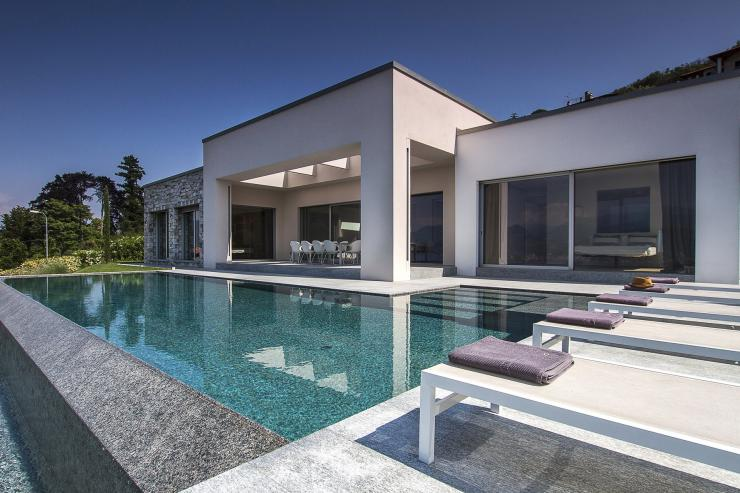 <p>Lovelydays Luxury Rentals introduce you pictures of a charming house in the heart of Italy</p>