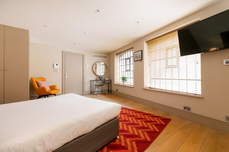 Lovelydays luxury service apartment rental - London - Fitzrovia - Wells Mews A - Lovelysuite - 2 bedrooms - 2 bathrooms - Queen bed - 5 star serviced apartments in london - c5b56525961f - Lovelydays