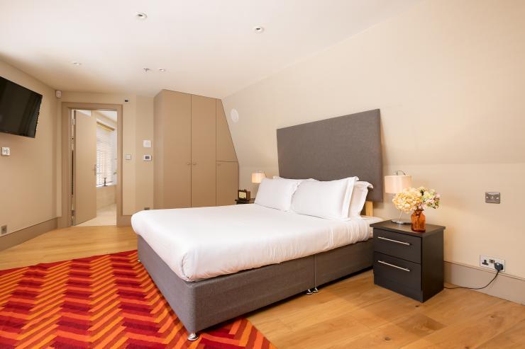 Lovelydays luxury service apartment rental - London - Fitzrovia - Wells Mews A - Lovelysuite - 2 bedrooms - 2 bathrooms - Queen bed - 5 star serviced apartments in london - 8e0c55b828fd - Lovelydays