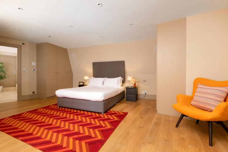 Lovelydays luxury service apartment rental - London - Fitzrovia - Wells Mews A - Lovelysuite - 2 bedrooms - 2 bathrooms - Queen bed - 5 star serviced apartments in london - 3f7746f7e0b9 - Lovelydays