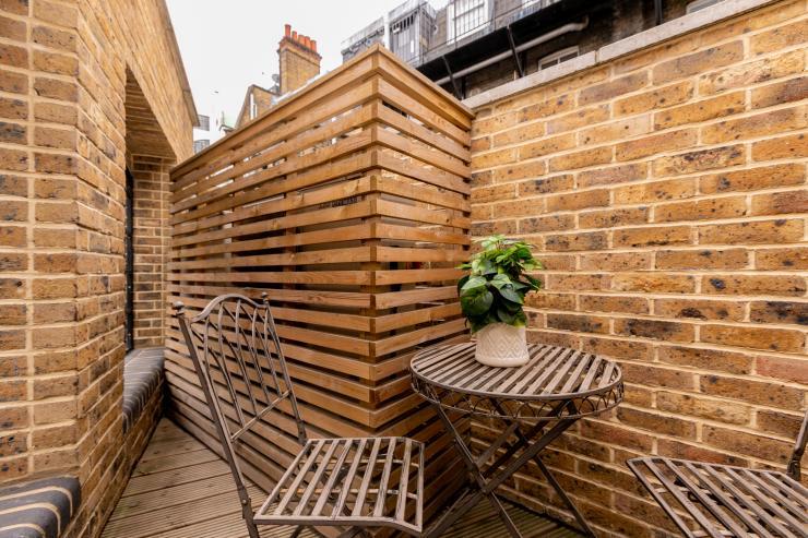 Lovelydays luxury service apartment rental - London - Fitzrovia - Wells Mews A - Lovelysuite - 2 bedrooms - 2 bathrooms - Balcony - 5 star serviced apartments in london - 91de52b8b767 - Lovelydays