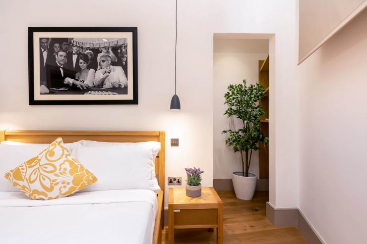 Lovelydays luxury service apartment rental - London - Fitzrovia - Wells Mews B - Lovelysuite - 2 bedrooms - 2 bathrooms - Double bed - 1ac5950849d7 - Lovelydays