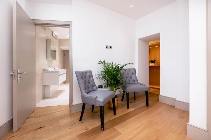 Lovelydays luxury service apartment rental - London - Fitzrovia - Wells Mews B - Lovelysuite - 2 bedrooms - 2 bathrooms - Double bed - 42312976e825 - Lovelydays