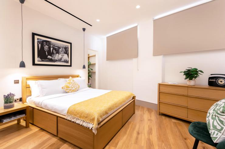 Lovelydays luxury service apartment rental - London - Fitzrovia - Wells Mews B - Lovelysuite - 2 bedrooms - 2 bathrooms - Double bed - a078c5cd3d94 - Lovelydays