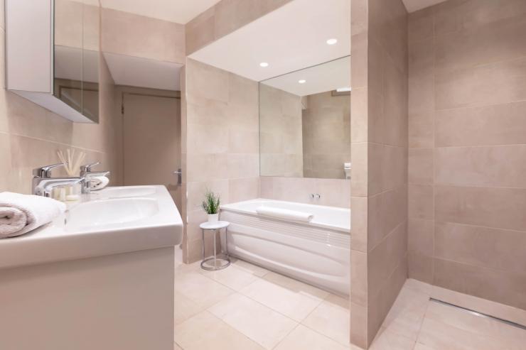Lovelydays luxury service apartment rental - London - Fitzrovia - Wells Mews B - Lovelysuite - 2 bedrooms - 2 bathrooms - Beautiful bathtub - edabcb8a1df3 - Lovelydays