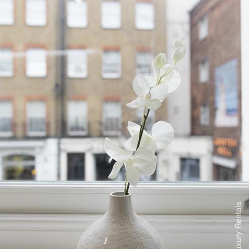 Lovelydays luxury service apartment rental - London - Soho - Romilly Street - Lovelysuite - 2 bedrooms - 2 bathrooms - Lovely view - five star serviced apartments - c9f79a71030b - Lovelydays