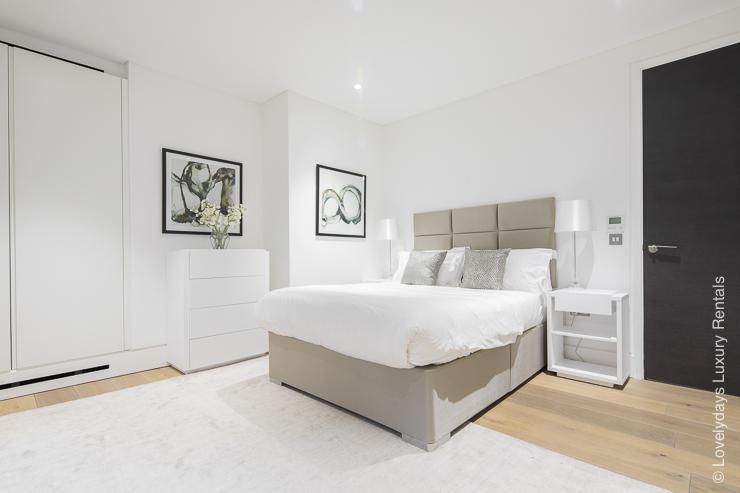 Lovelydays luxury service apartment rental - London - Soho - Romilly Street - Lovelysuite - 2 bedrooms - 2 bathrooms - King bed - five star serviced apartments - 8b7ef2cb3ddd - Lovelydays