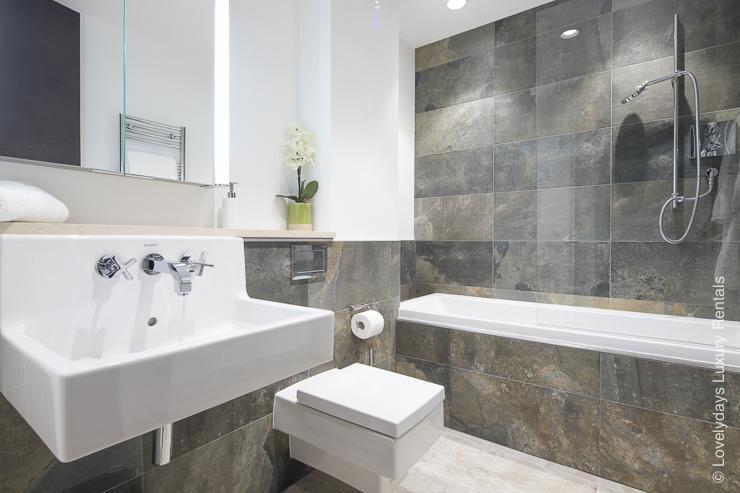 Lovelydays luxury service apartment rental - London - Soho - Romilly Street - Lovelysuite - 2 bedrooms - 2 bathrooms - Beautiful bathtub - five star serviced apartments - 410fe7d95bd4 - Lovelydays