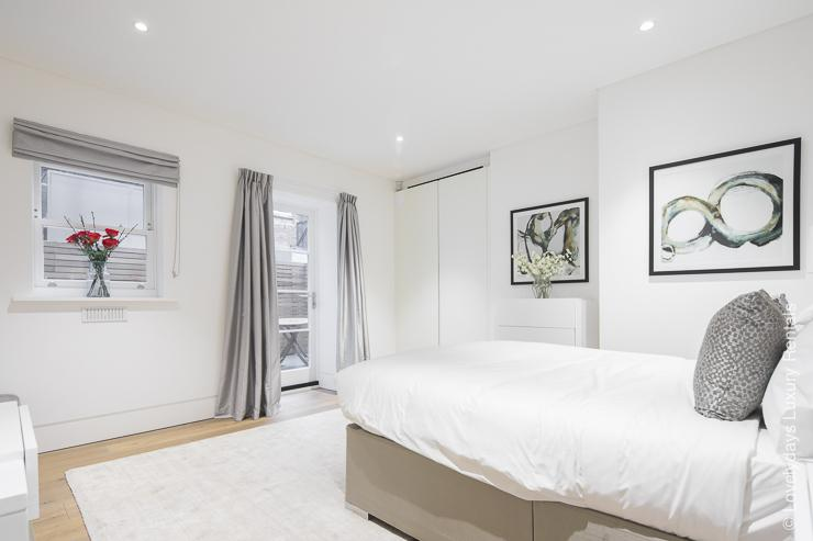 Lovelydays luxury service apartment rental - London - Soho - Romilly Street - Lovelysuite - 2 bedrooms - 2 bathrooms - King bed - five star serviced apartments - 6c7a5e145b4a - Lovelydays