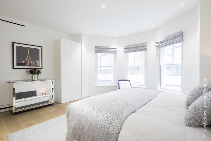 Lovelydays luxury service apartment rental - London - Soho - Romilly Street - Lovelysuite - 2 bedrooms - 2 bathrooms - King bed - five star serviced apartments - fcdd034b74ff - Lovelydays
